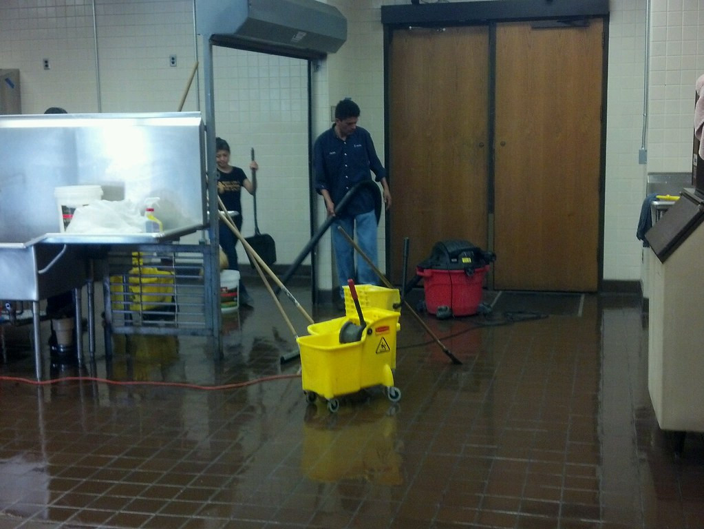 Things You Should Consider Before Hiring a Commercial Cleaning Company