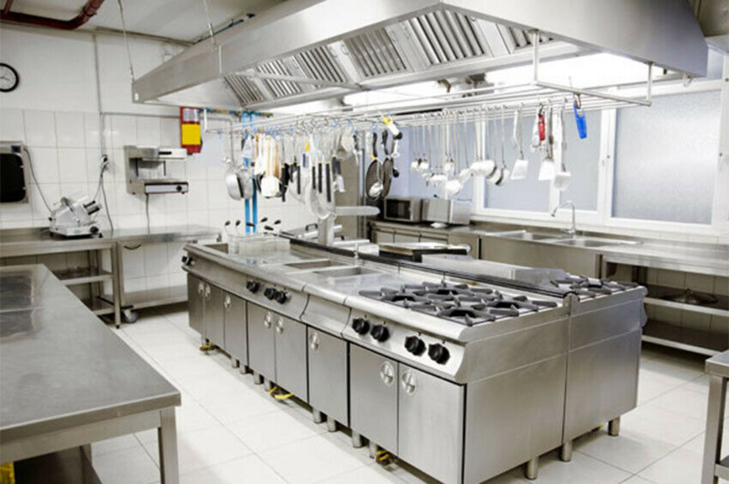 How to clean Industrial Kitchen